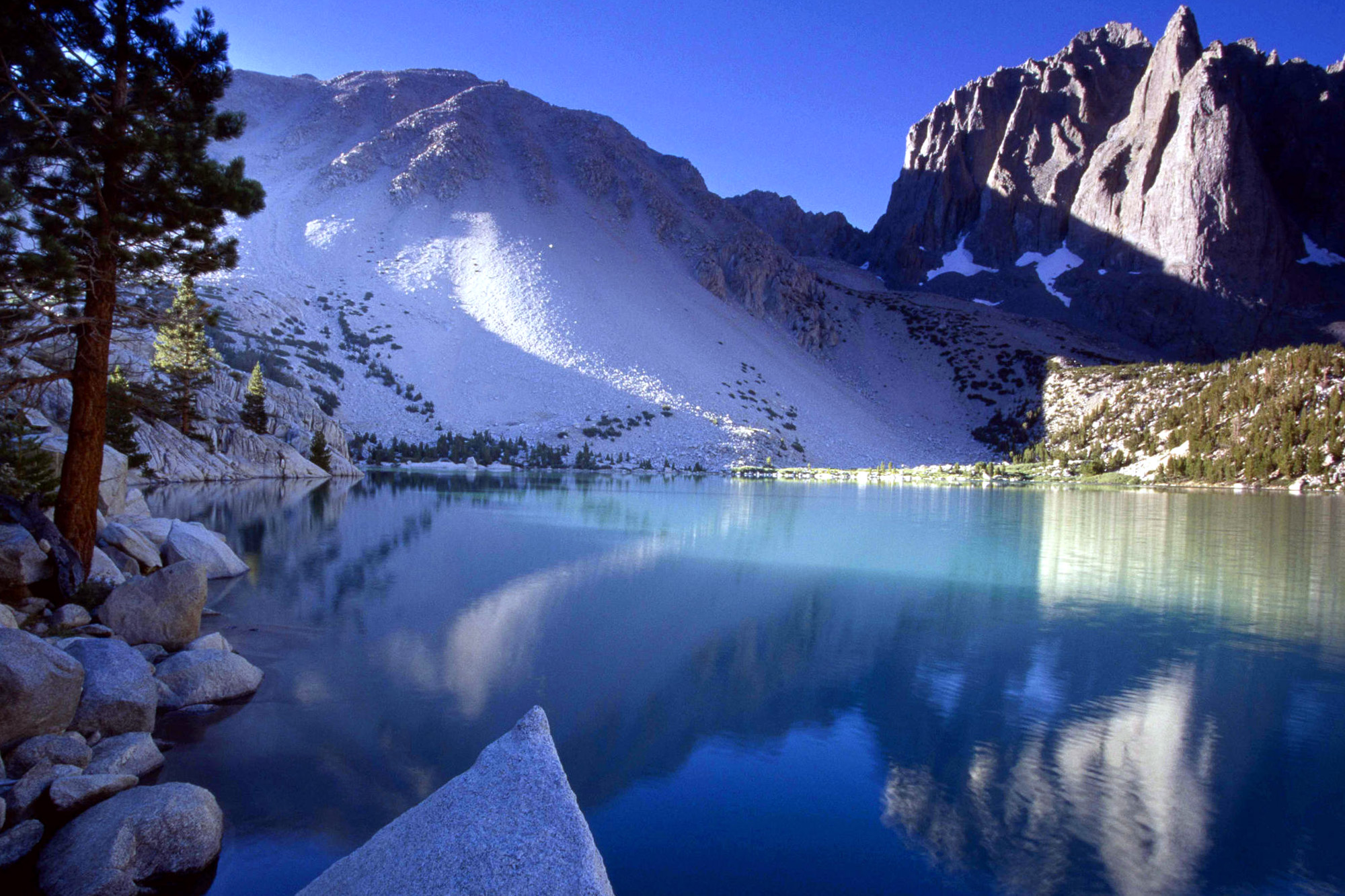 Lake And Ice Mountain Wallpapers HD / Desktop And Mobile