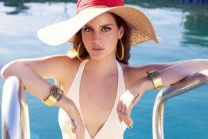 Lana Del Rey In The Pool