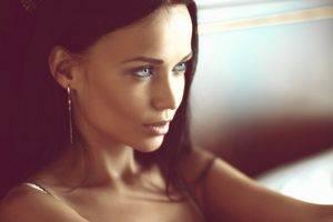 women, Model, Brunette, Long Hair, Face, Portrait, Open Mouth, Looking Away, Bare Shoulders, Depth Of Field, Earrings, Blue Eyes