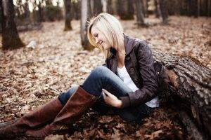 women Outdoors, Blonde, Leaves, Boots, Smiling, Trees, Short Hair