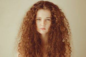 women, Model, Redhead, Long Hair, Face, Looking At Viewer, Portrait, Bare Shoulders, Curly Hair, Simple Background