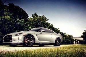 Nissan GT R, Car