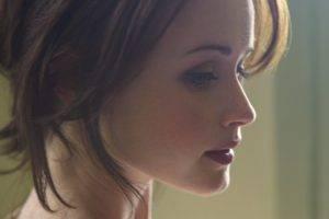 brunette, Actress, Looking Away, Alexis Bledel, Portrait Display