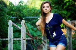 women brunette blue eyes women outdoors jean shorts