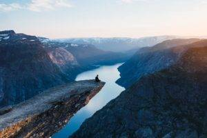 people, Sunset, Water, Sky, Mountains, Clouds, Norway, Trolltunga