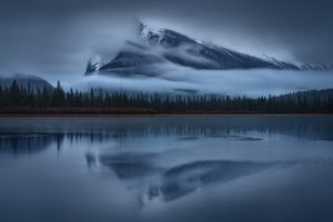 nature, Landscape, Mountains, Clouds, Alberta National Park, Alberta, Canada, Lake, Trees, Forest, Water, Mist, Reflection, Long exposure, Snowy peak, Mount Rundle, Morning