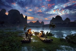 men, Fishermen, Old people, Beards, Nature, Landscape, Water, Trees, China, River, Mountains, Boat, Sunset, Clouds, Birds, Plants, Lantern