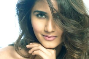 vaani, Kapoor, Bollywood, Actress, Model, Girl, Beautiful, Brunette, Pretty, Cute, Beauty, Sexy, Hot, Pose, Face, Eyes, Hair, Lips, Smile, Figure, India