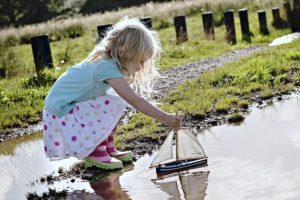 kids, Children, Childhood, Boat, Games, Lakes, Grass, Playing, Joy, Fun, Happy, Life, Nature, Landscapes, Earth, Water, Little
